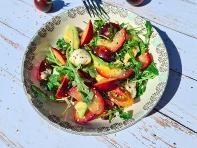 Salade prune et tomates