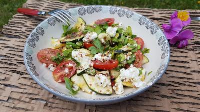 Salade vegetarienne au chevre