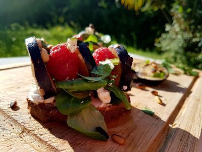 Tartine figue et au chevre