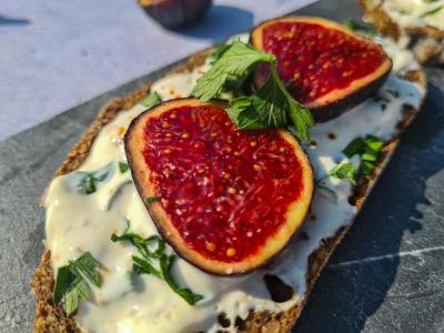 Tartine figues et fromage frais 1 sur 1