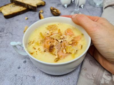 Veloute de panais saumon fume et croutons 1 sur 1
